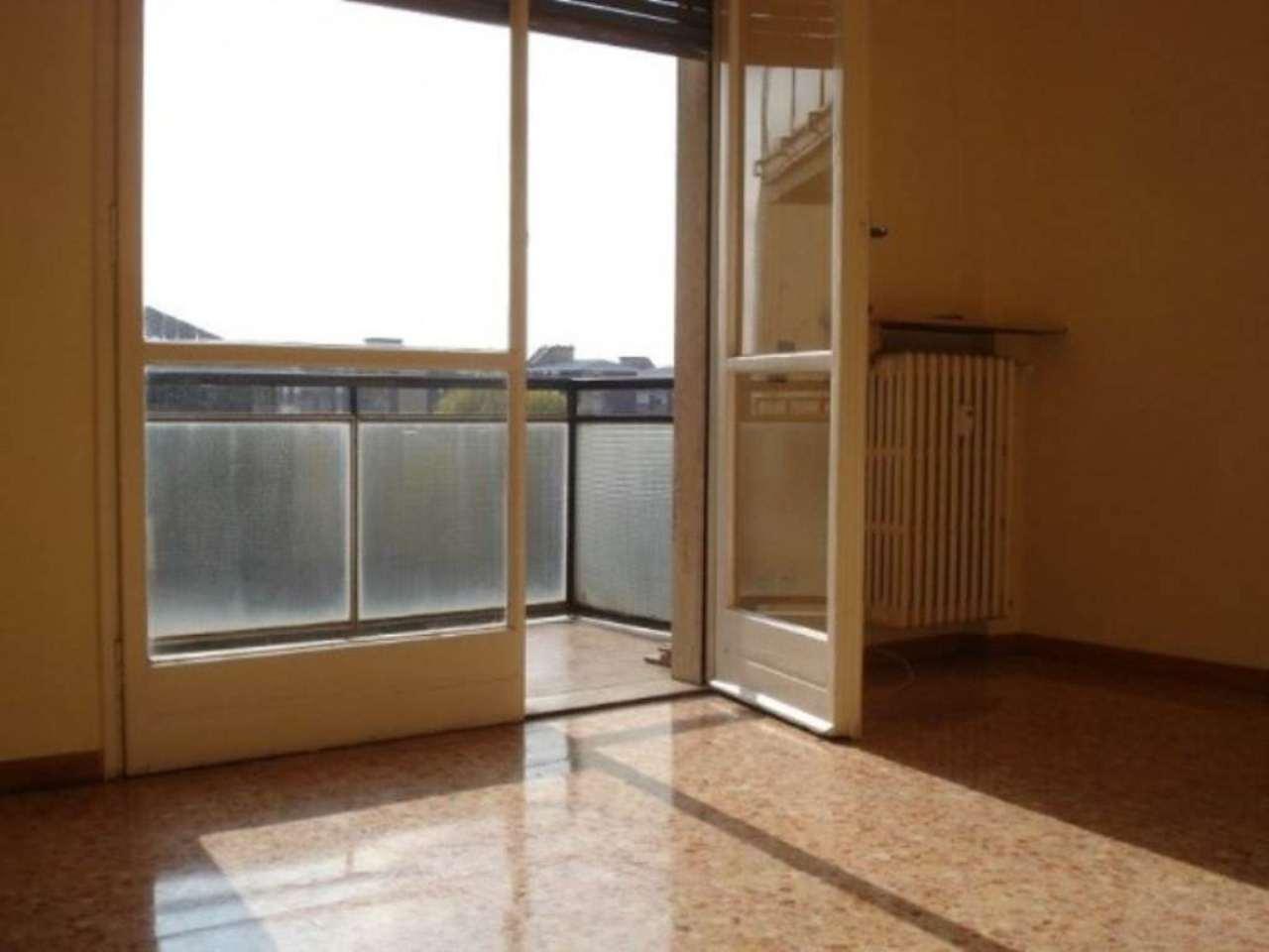 Bilocale Milano Via Tito Livio 7