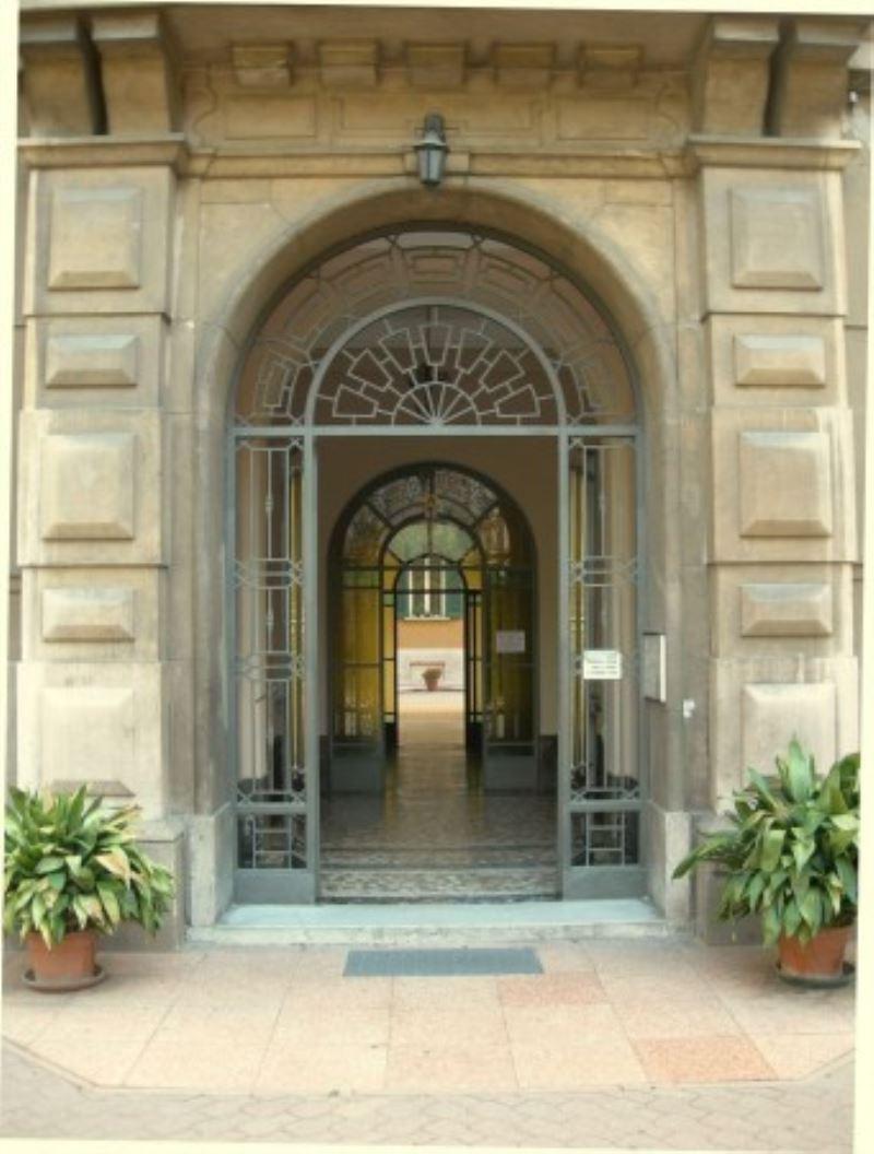 Bilocale Milano Via Tertulliano 3