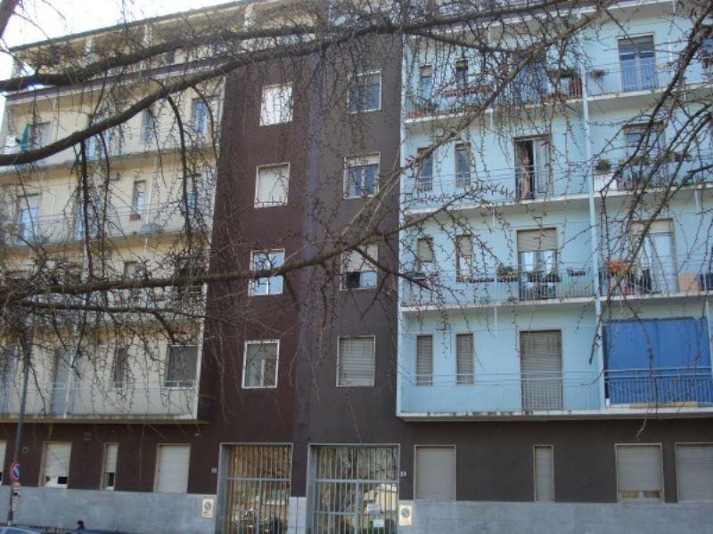 Bilocale Milano Via Monte Velino 1
