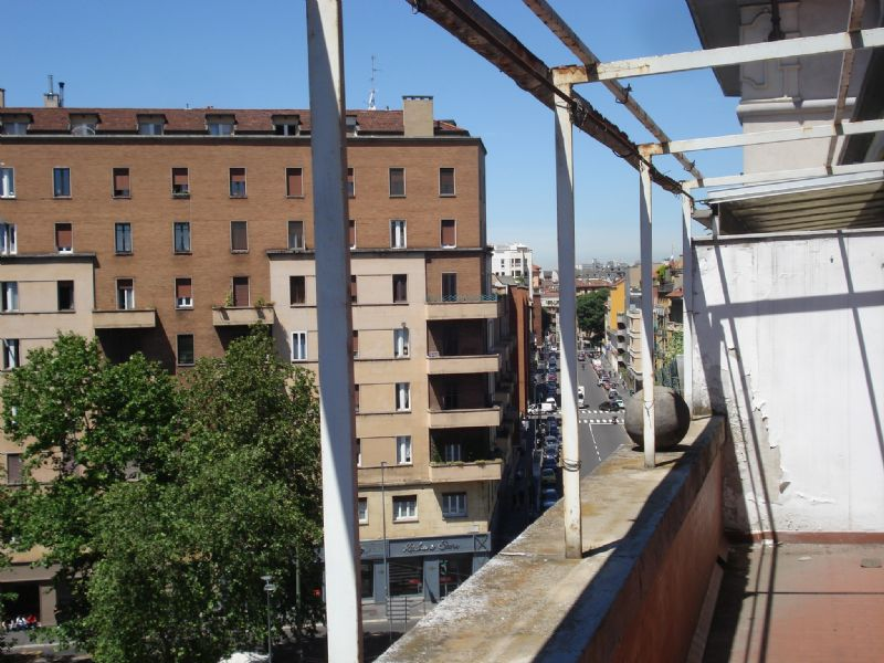 Bilocale Milano Via Gaetano Strigelli 12