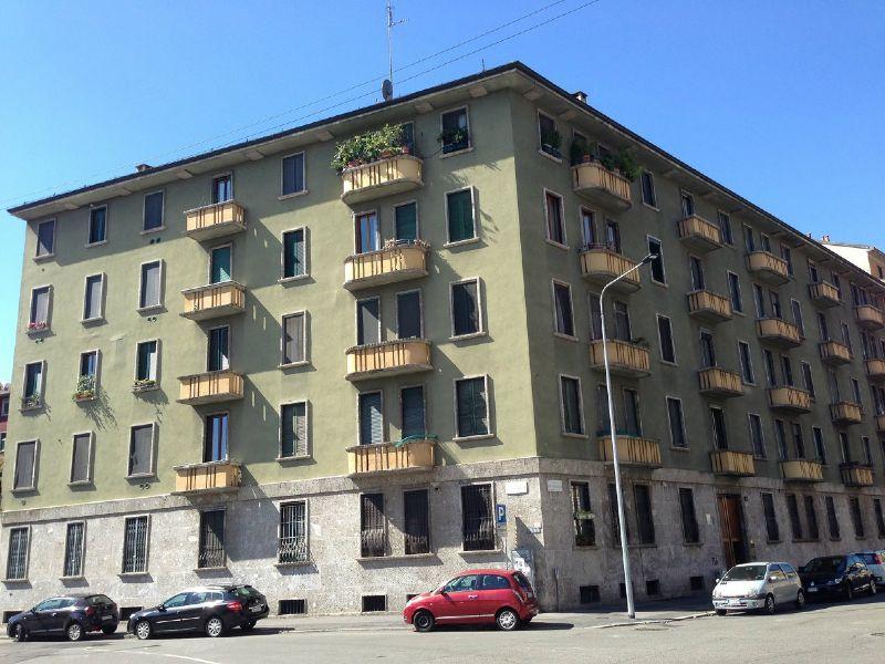 Bilocale Milano Via Tertullliano 1