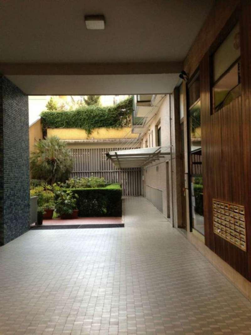 Bilocale Milano Via Perugino 2