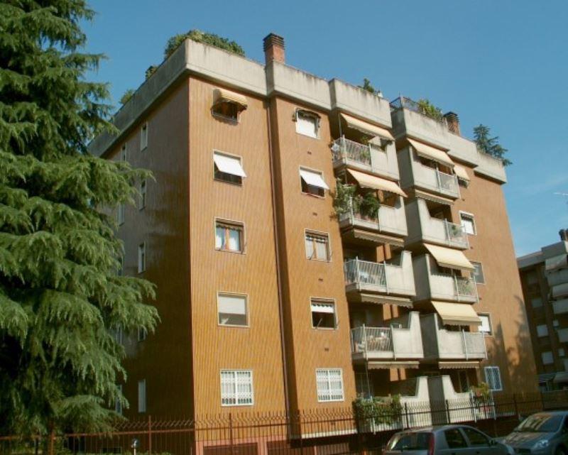 Appartamento in affitto a Buccinasco, 2 locali, prezzo € 700 | Cambio Casa.it