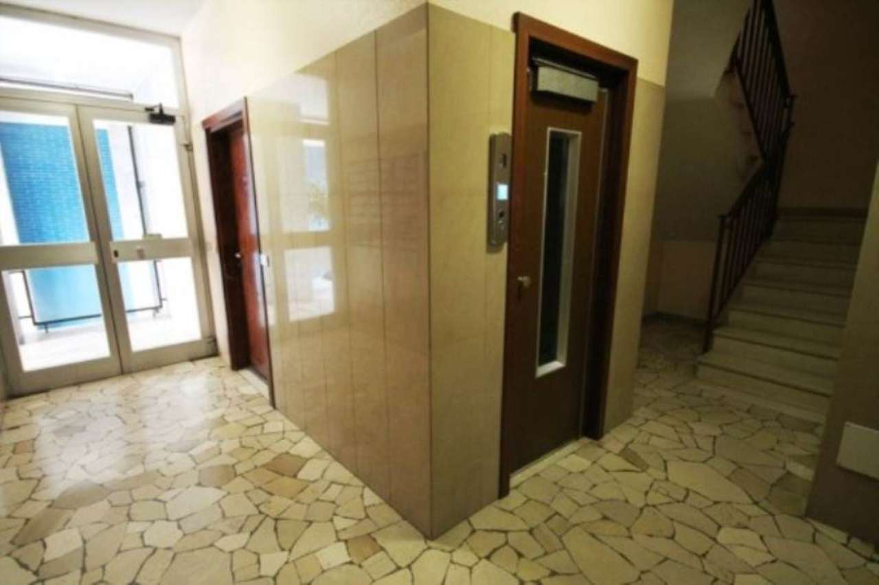 Ufficio / Studio in affitto a Bollate, 2 locali, prezzo € 500 | Cambio Casa.it