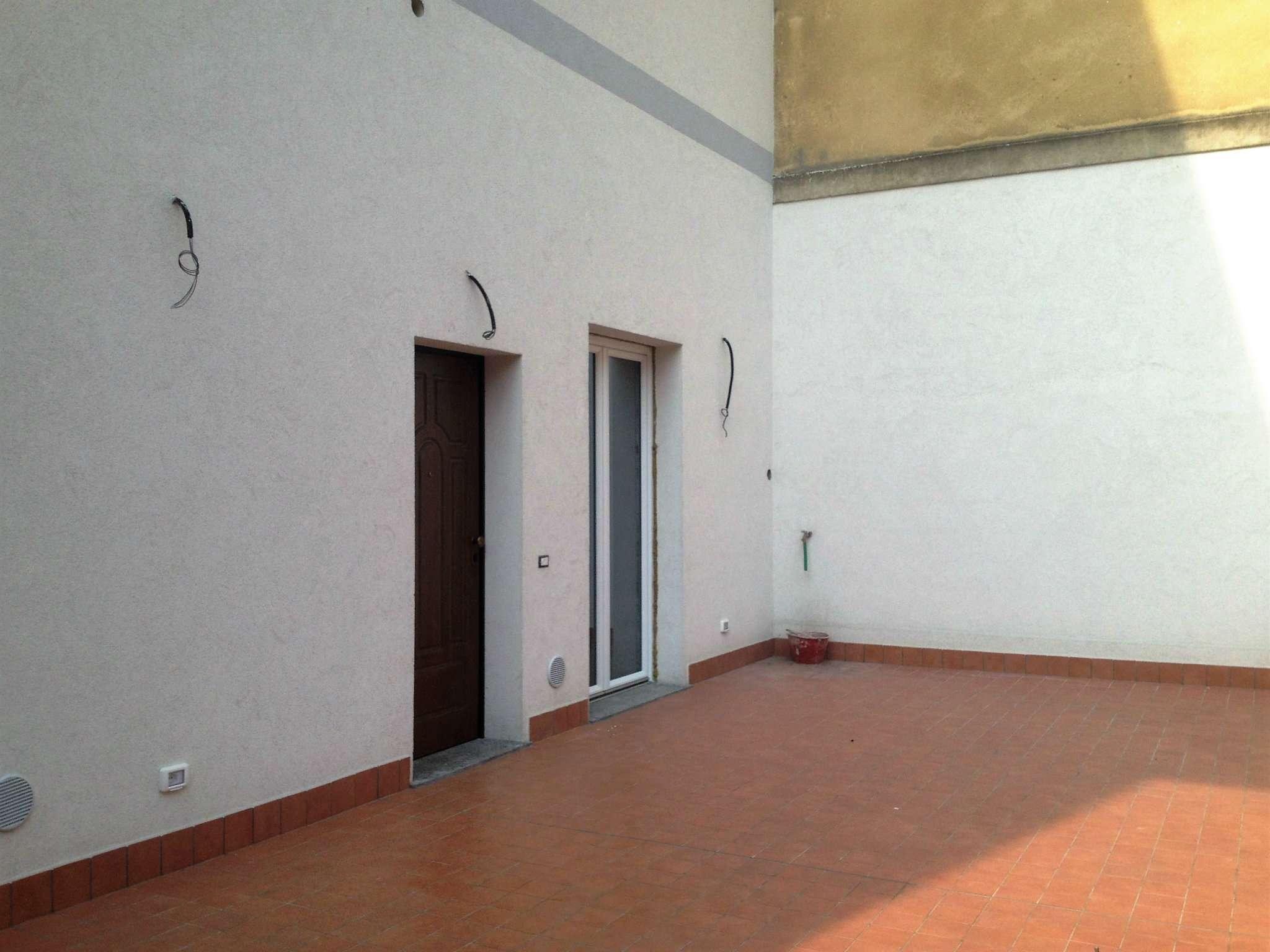 Bilocale Milano Via Monte Cimone 6