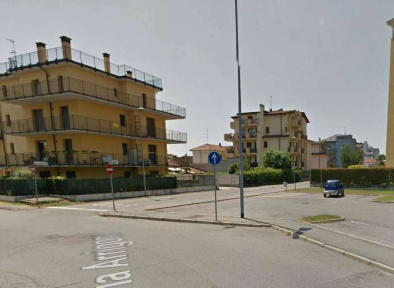 Bilocale Abbiategrasso Via Mereghetti 8