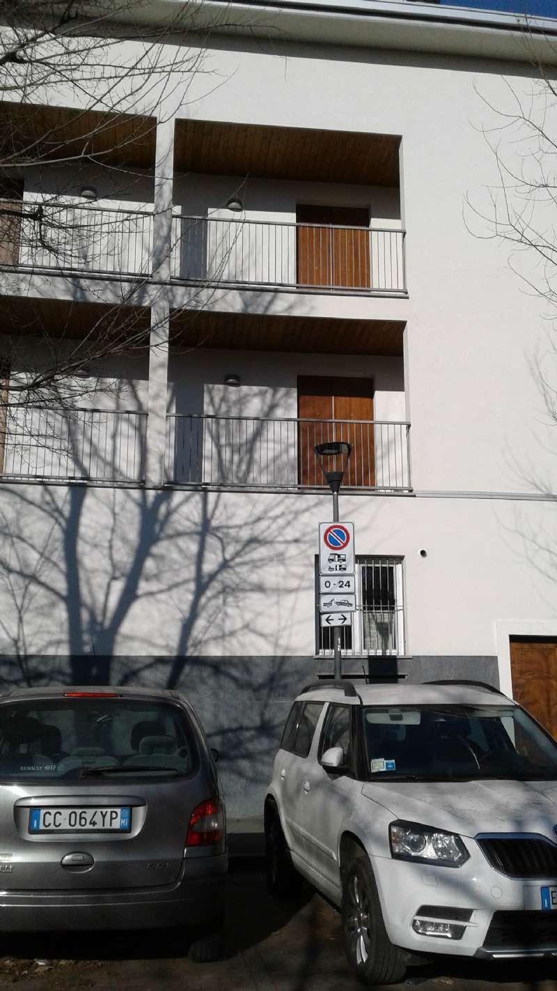 Bilocale Milano Via Monte Cimone 7