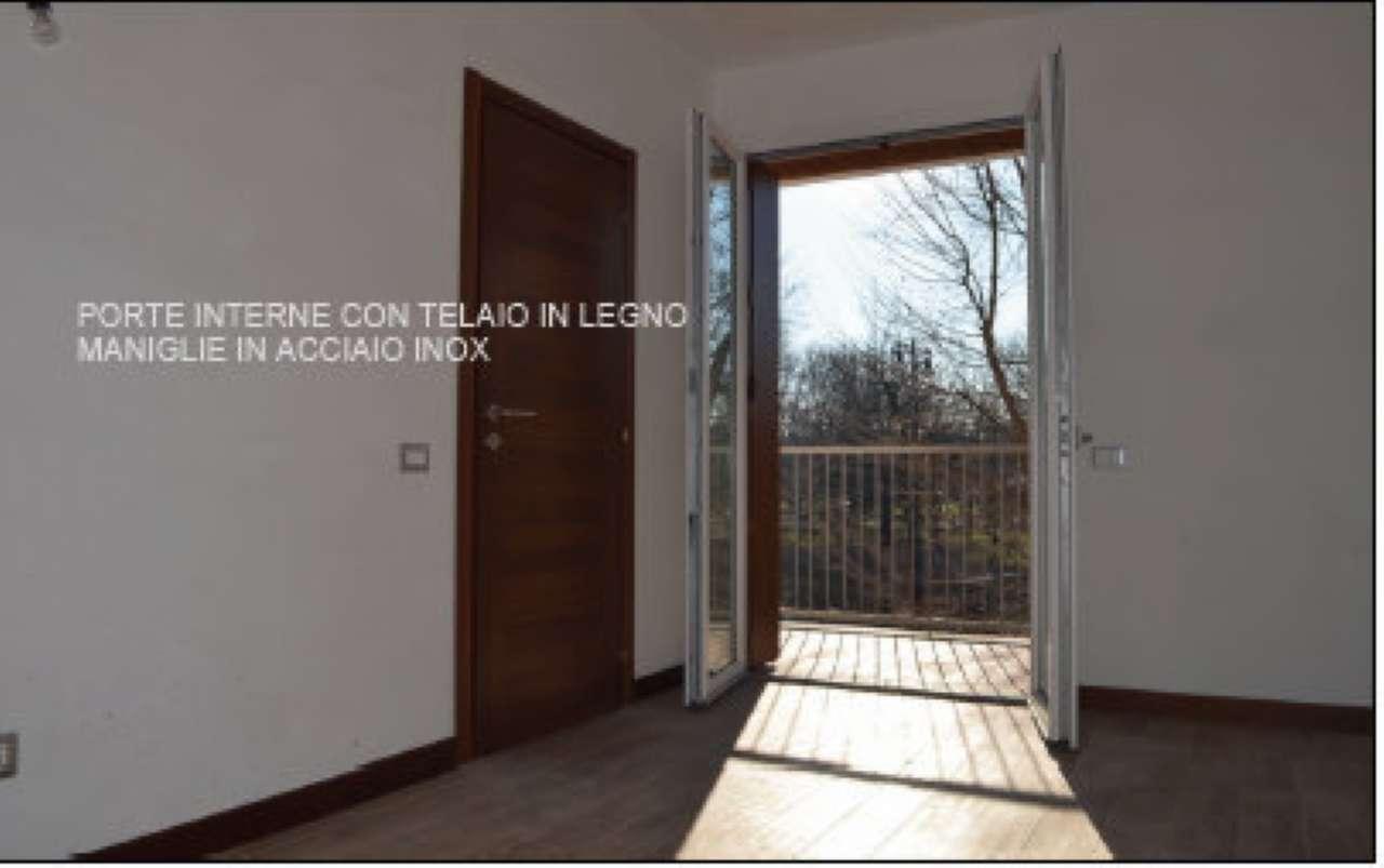 Bilocale Milano Via Monte Cimone 2