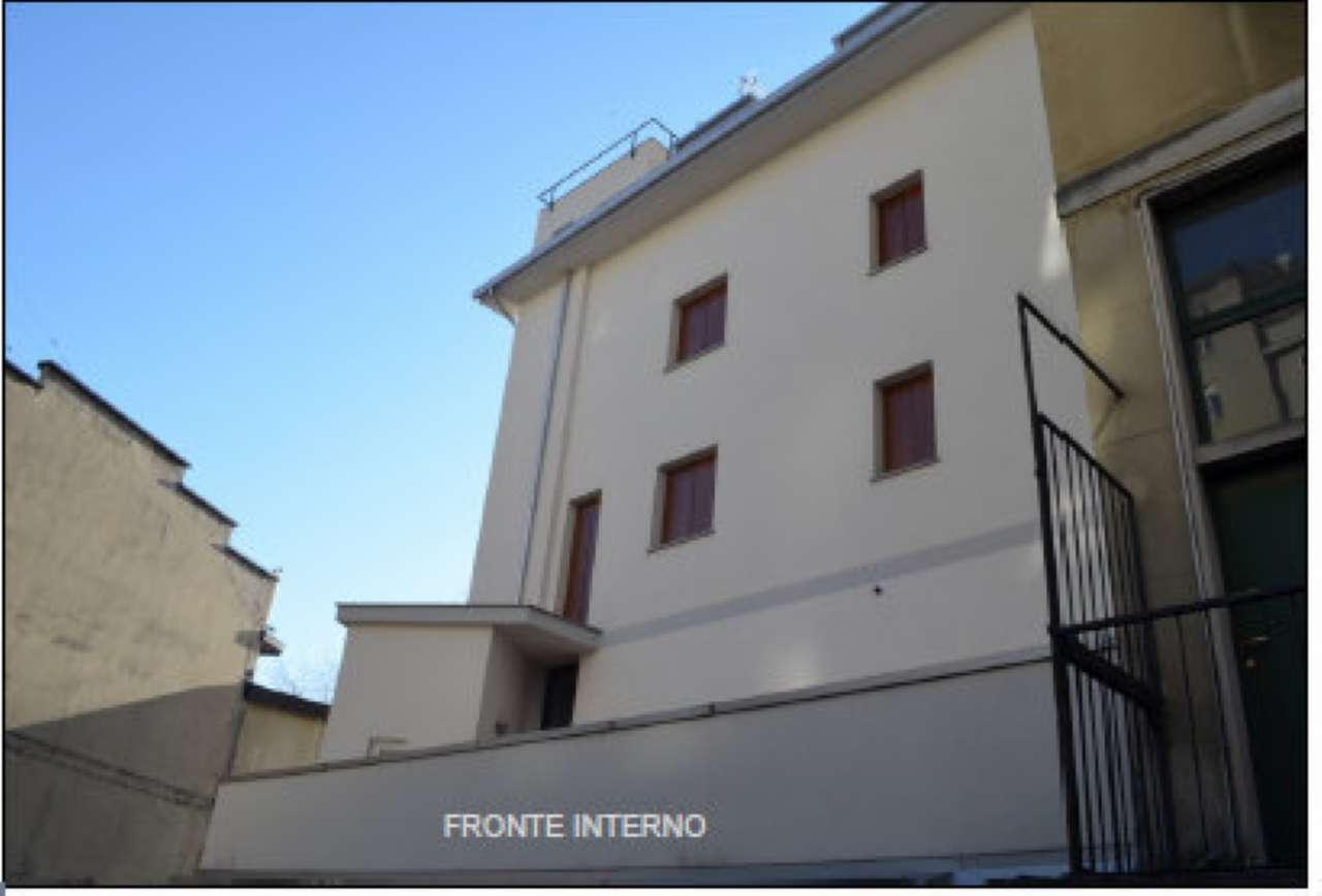 Bilocale Milano Via Monte Cimone 10