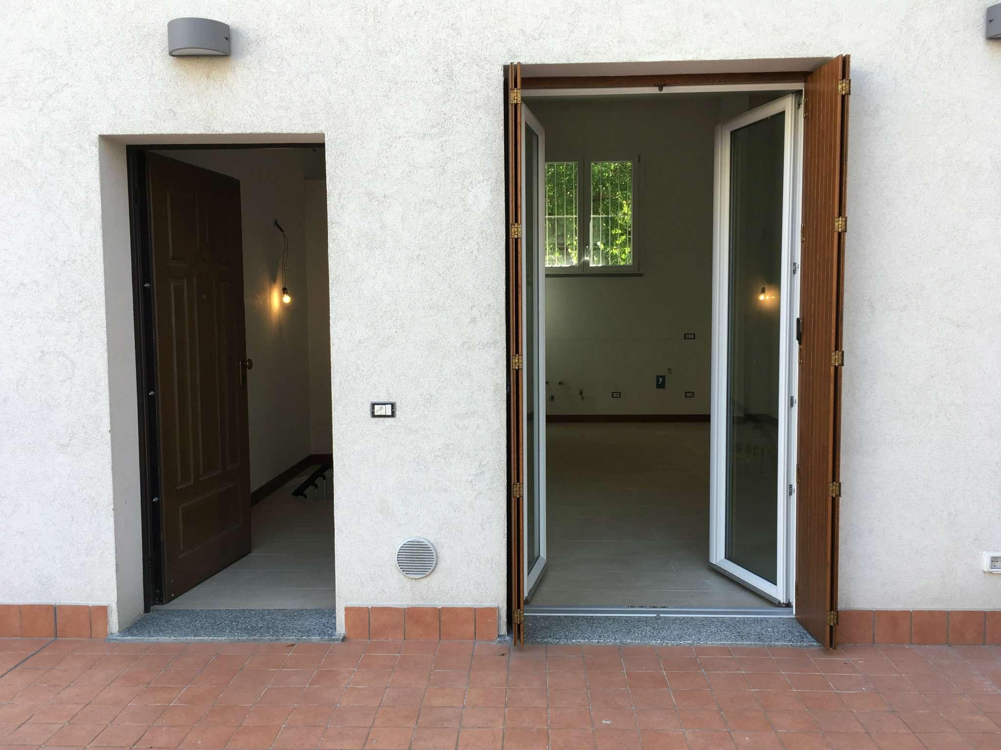 Bilocale Milano Via Monte Cimone 5