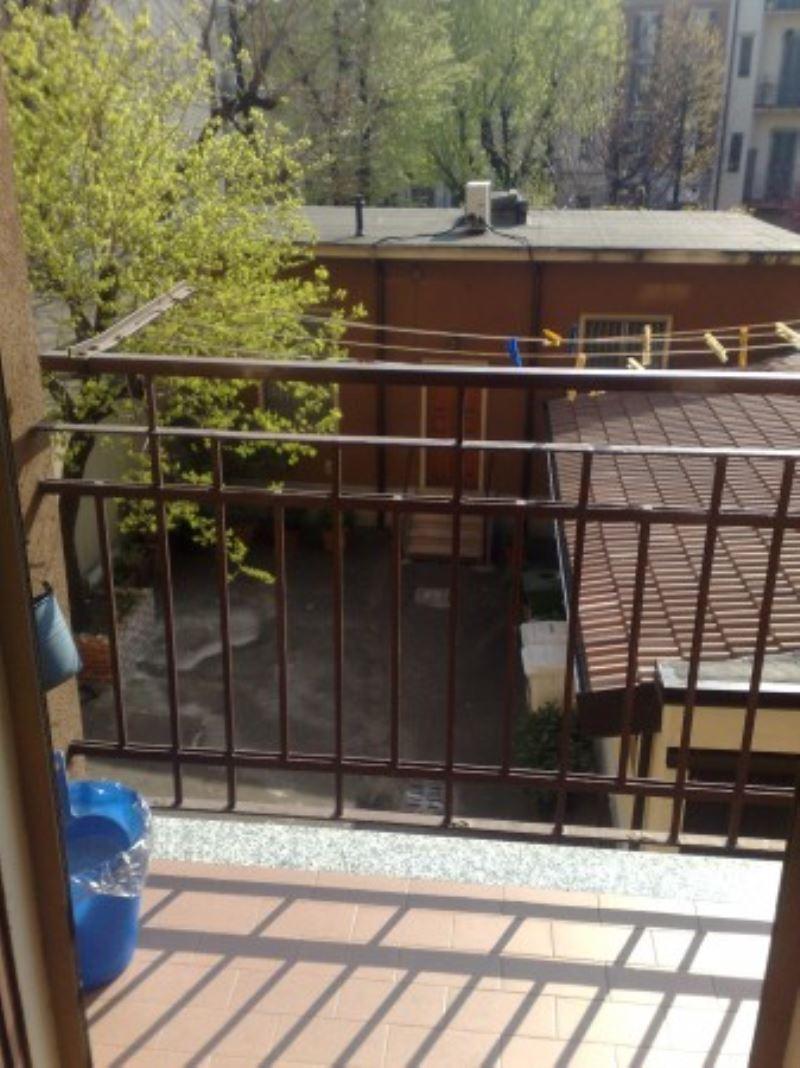 Bilocale Milano Via Ascanio Sforza 8
