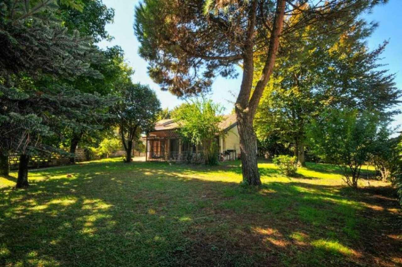 Villa in vendita a San Giuliano Milanese, 6 locali, prezzo € 540.000 | CambioCasa.it