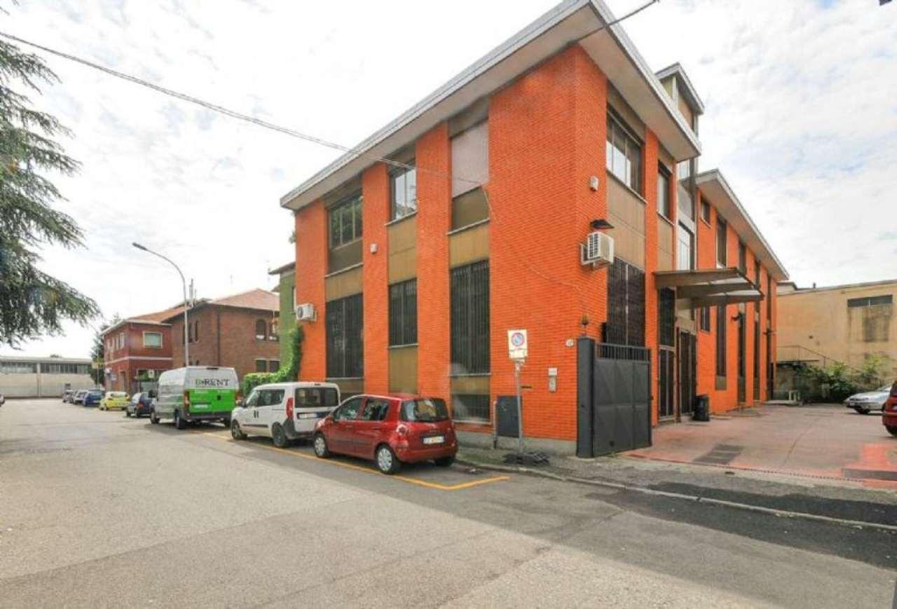 Capannone in vendita a Segrate, 10 locali, prezzo € 615.000 | Cambio Casa.it