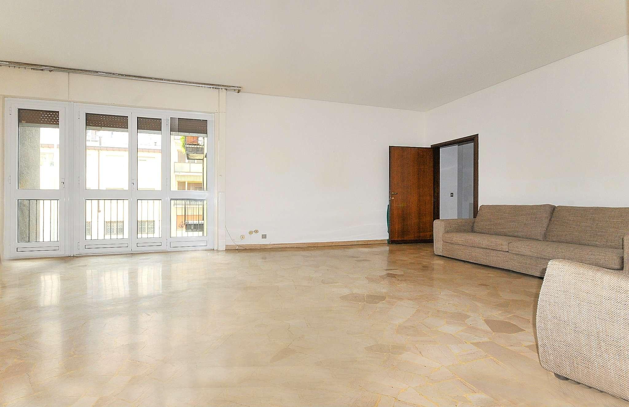 Appartamento in vendita a Milano, 4 locali, zona Zona: 15 . Fiera, Firenze, Sempione, Pagano, Amendola, Paolo Sarpi, Arena, prezzo € 750.000 | CambioCasa.it