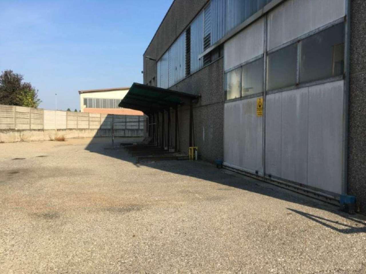 Capannone in vendita a Canonica d'Adda, 9 locali, prezzo € 1.140.000 | Cambio Casa.it