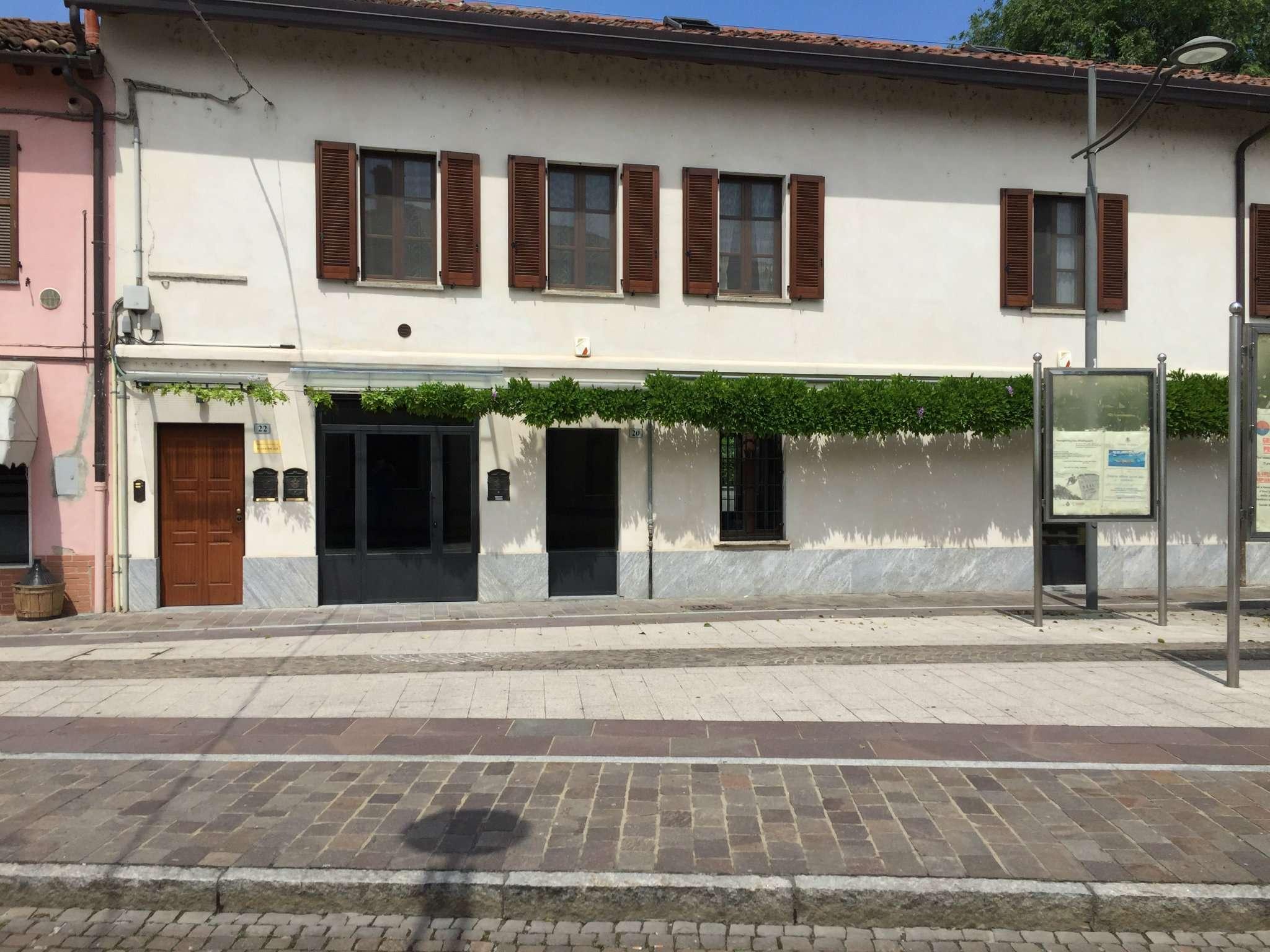 Negozio / Locale in affitto a Carpiano, 9999 locali, prezzo € 2.200 | CambioCasa.it