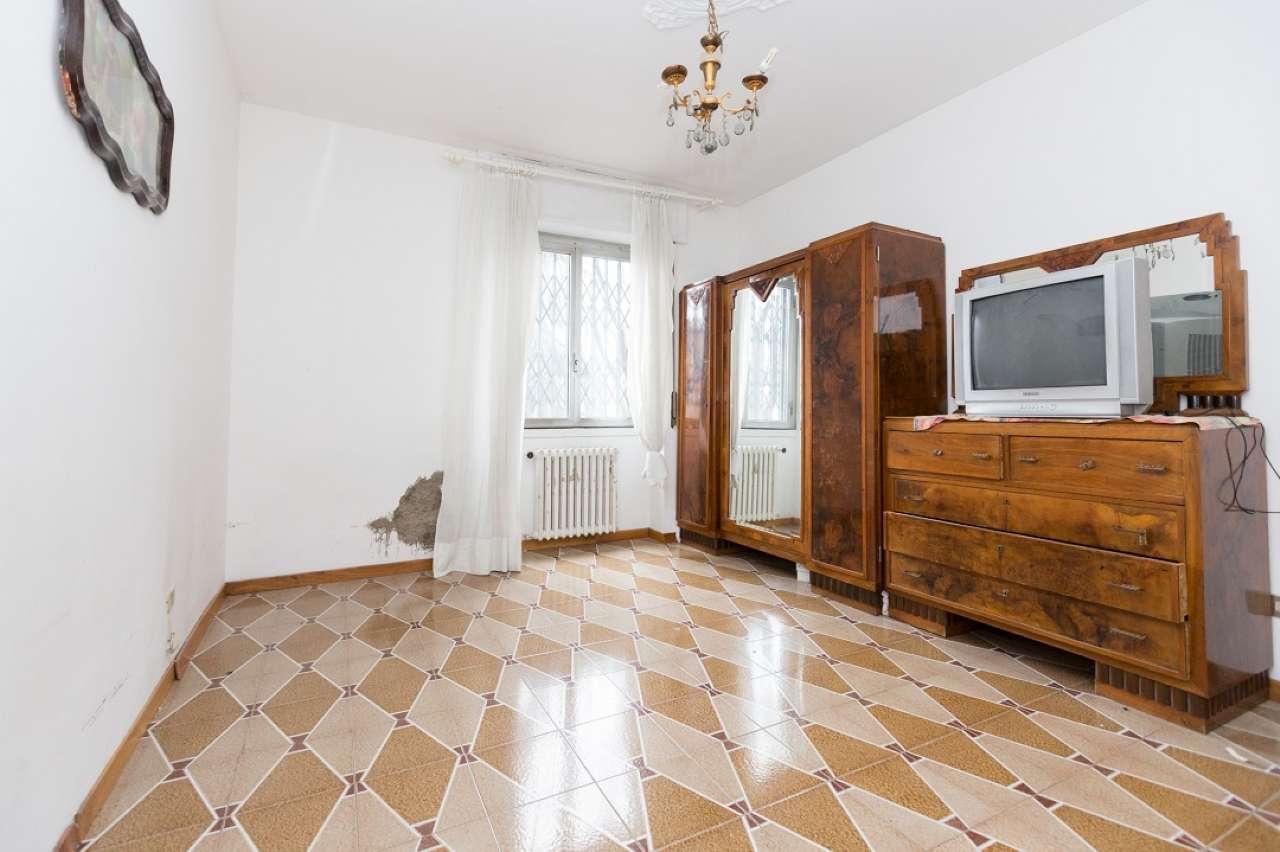 Appartamento in vendita 3 vani 99 mq.  via Feltre 74 Milano