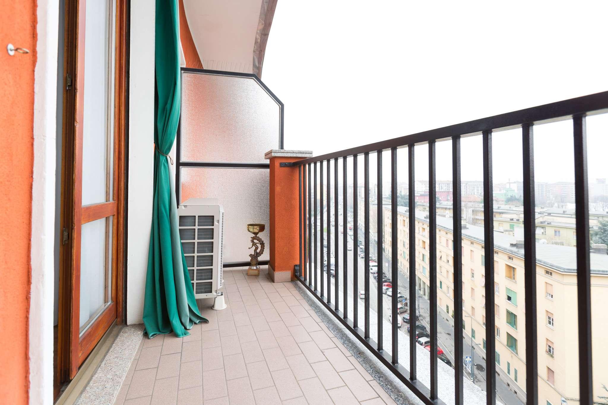 Appartamento in vendita 3 vani 90 mq.  via Cesana 10 Milano