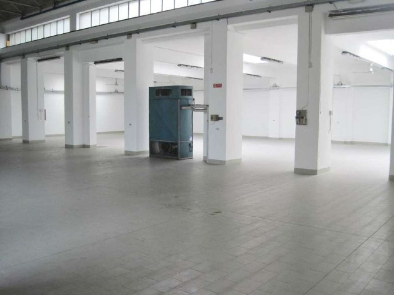 Capannone in vendita a Milano, 9999 locali, zona Zona: 7 . Corvetto, Lodi, Forlanini, Umbria, Rogoredo, prezzo € 800.000 | Cambio Casa.it