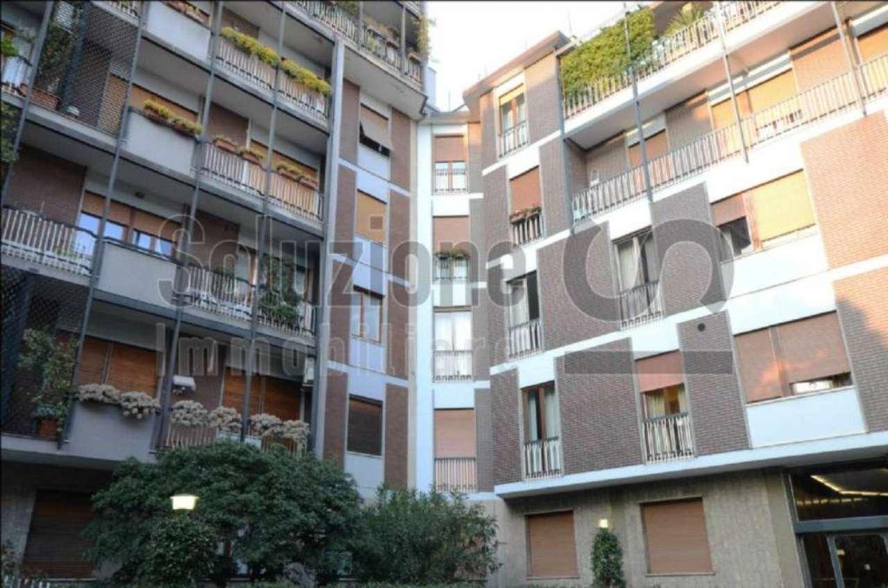 Bilocale Milano Via Privata Reggio 13