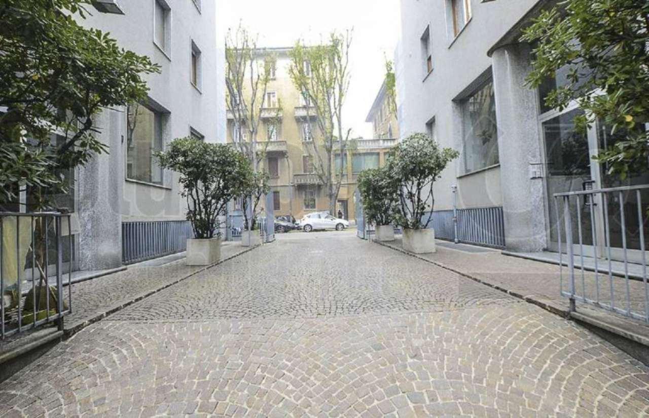 Magazzino in affitto a Milano, 4 locali, zona Zona: 10 . P.ta Genova, Romolo, Solari, Savona, Tortona, prezzo € 1.600 | Cambio Casa.it