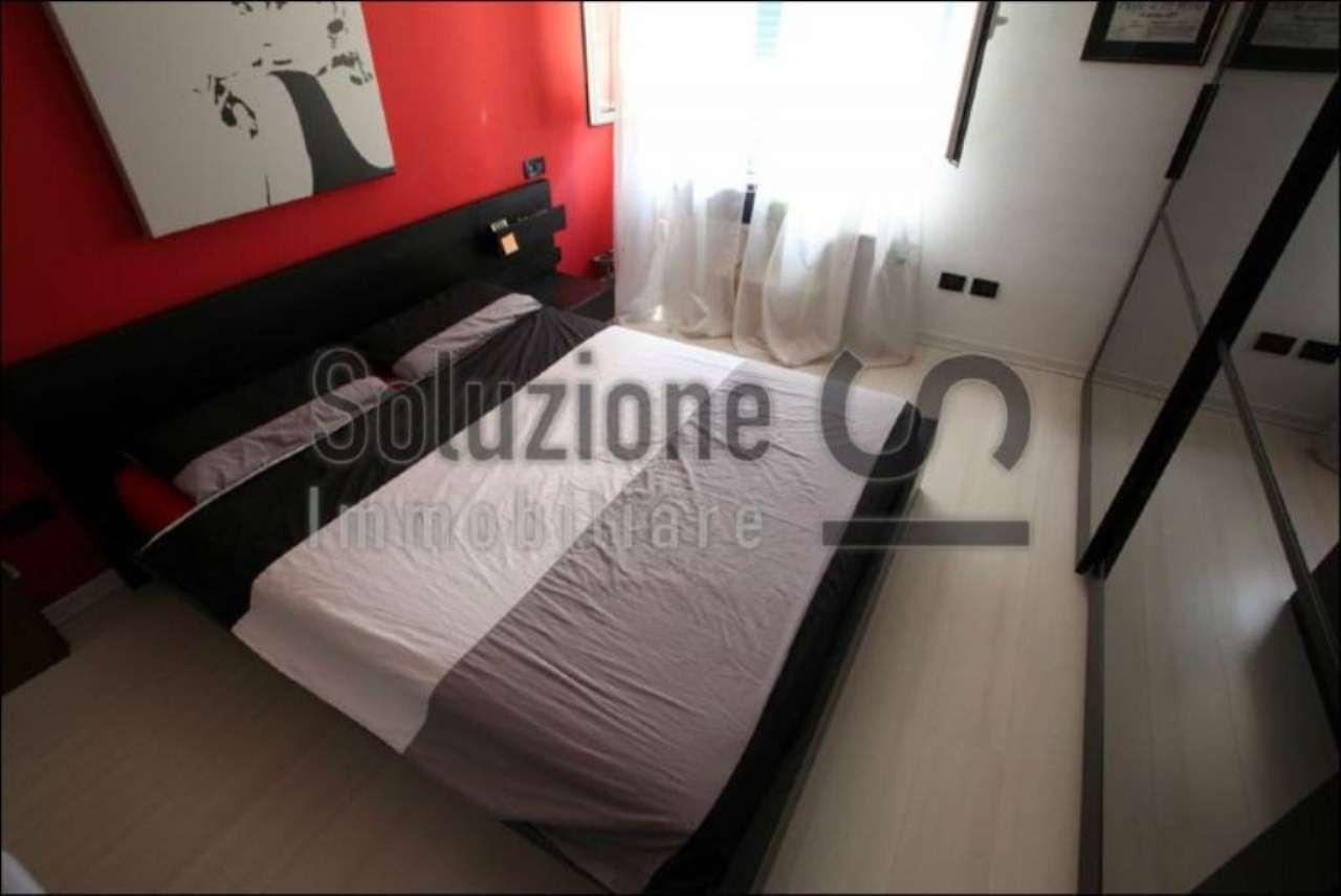 Bilocale Cesano Boscone Via Roma 1