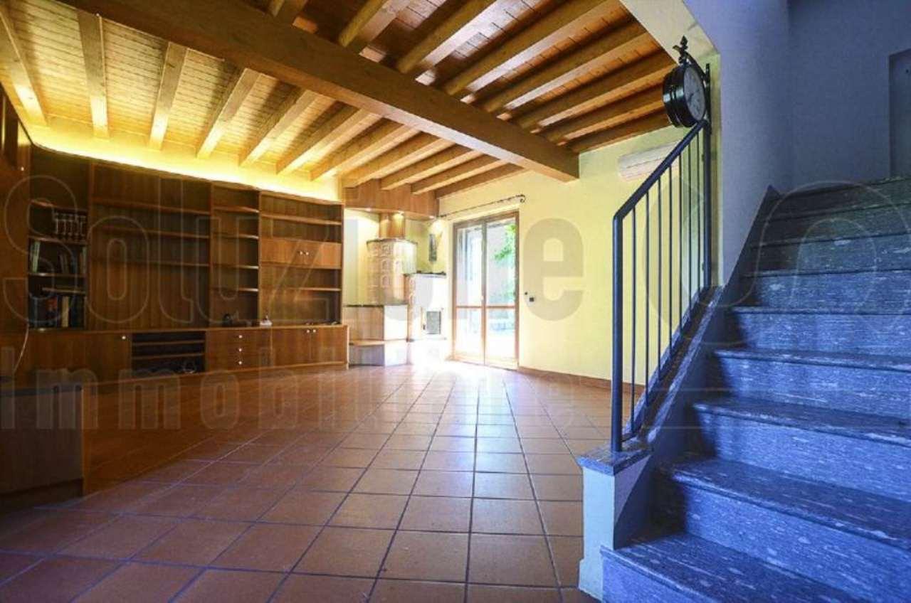 Soluzione Semindipendente in vendita a Rognano, 4 locali, prezzo € 295.000 | Cambio Casa.it
