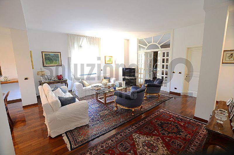 Appartamento in vendita a Monza, 5 locali, zona Zona: 7 . San Biagio, Cazzaniga, prezzo € 590.000 | Cambiocasa.it