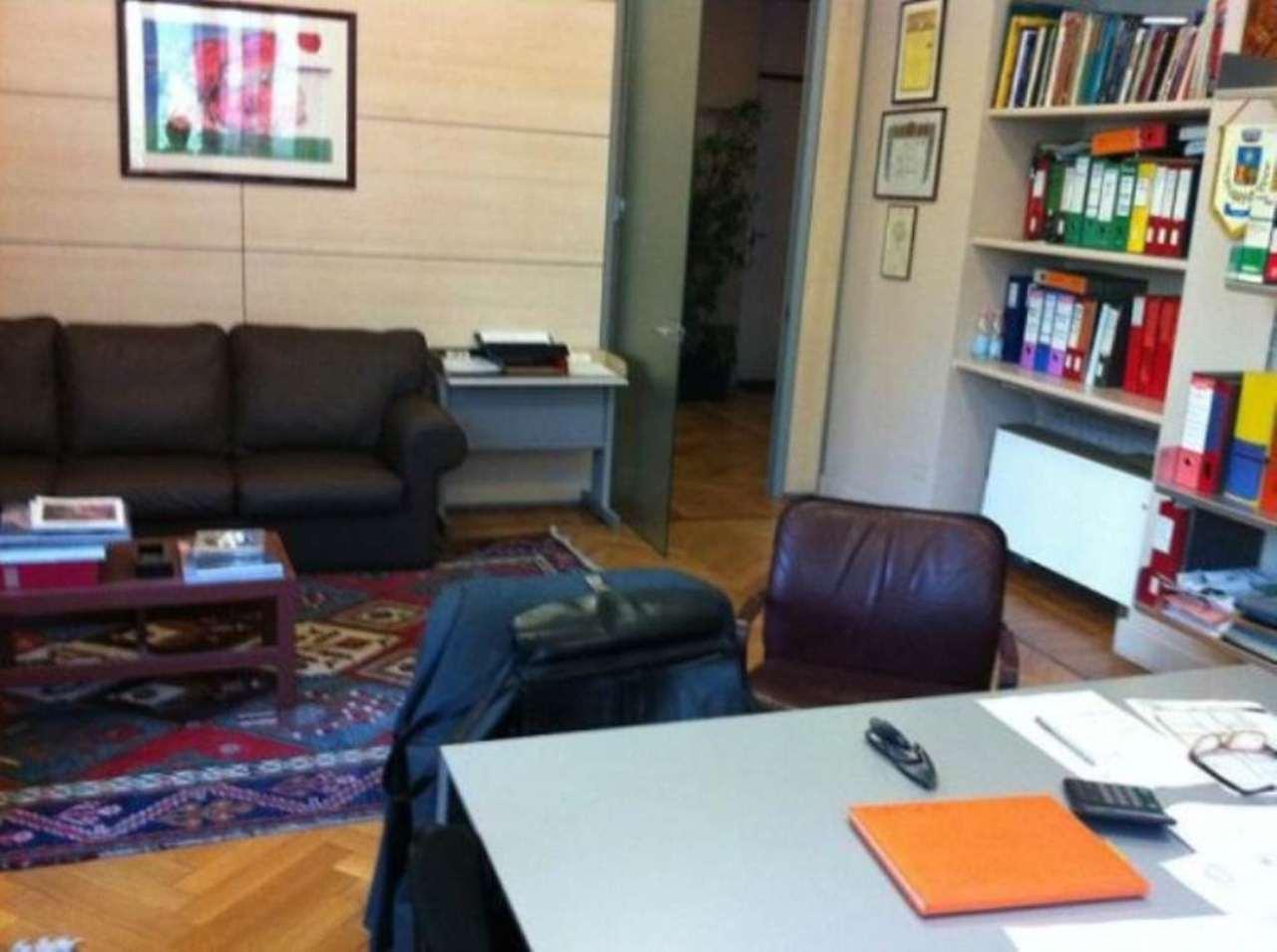 Bilocale Milano Via Aristide De Togni 4