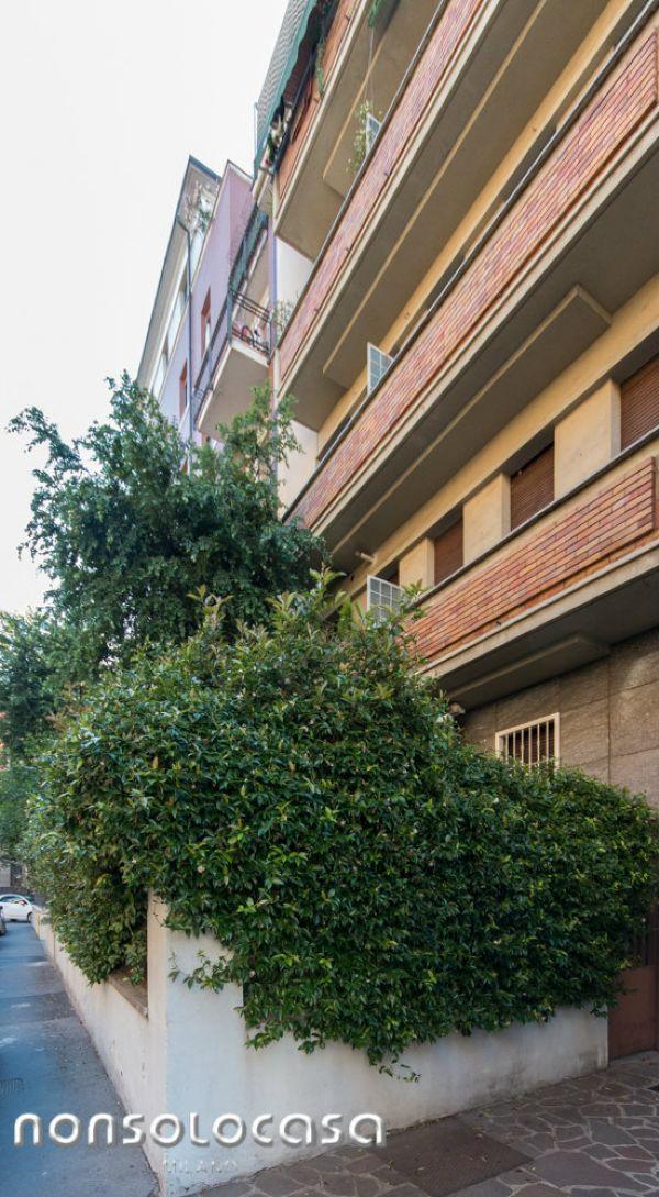 Bilocale Milano Via Masotto 1