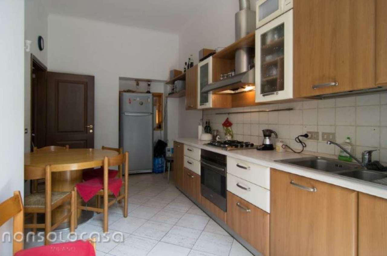 Bilocale Milano Via Cimarosa 1