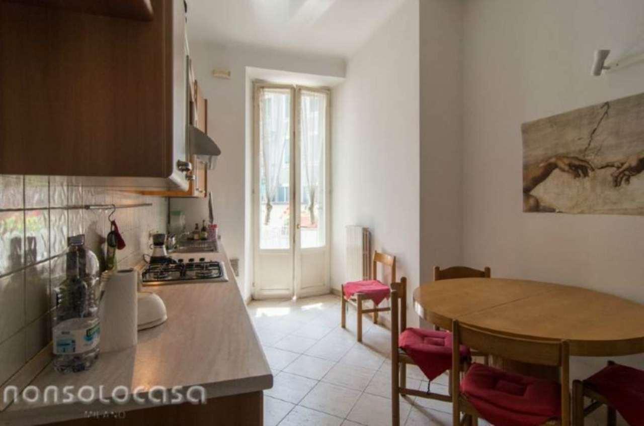 Bilocale Milano Via Cimarosa 3