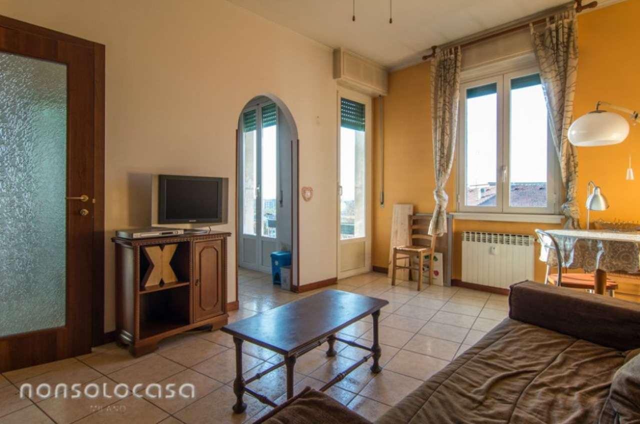Bilocale Milano Via Cassala 2