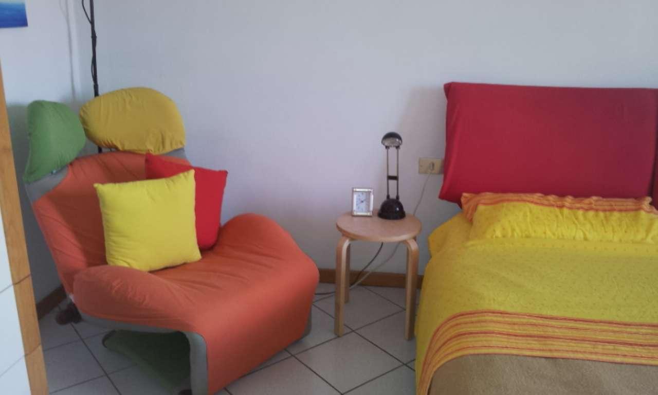 Appartamento in affitto a Milano, 2 locali, zona Zona: 14 . Lotto, Novara, San Siro, QT8 , Montestella, Rembrandt, prezzo € 750   Cambio Casa.it