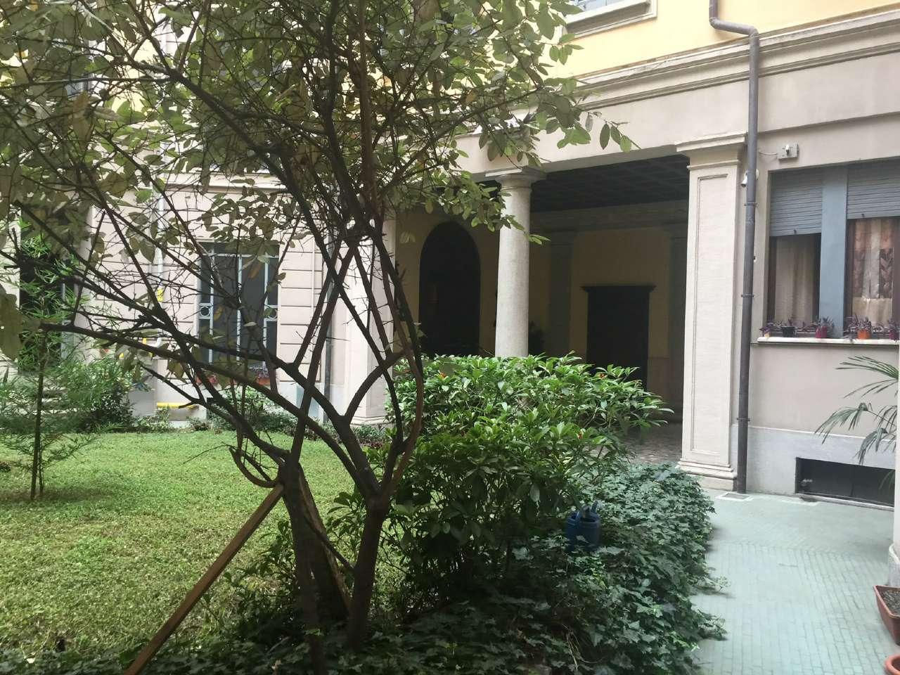 Appartamento in Vendita a Milano 08 Vercelli / Magenta / Cadorna / Washington: 5 locali, 420 mq