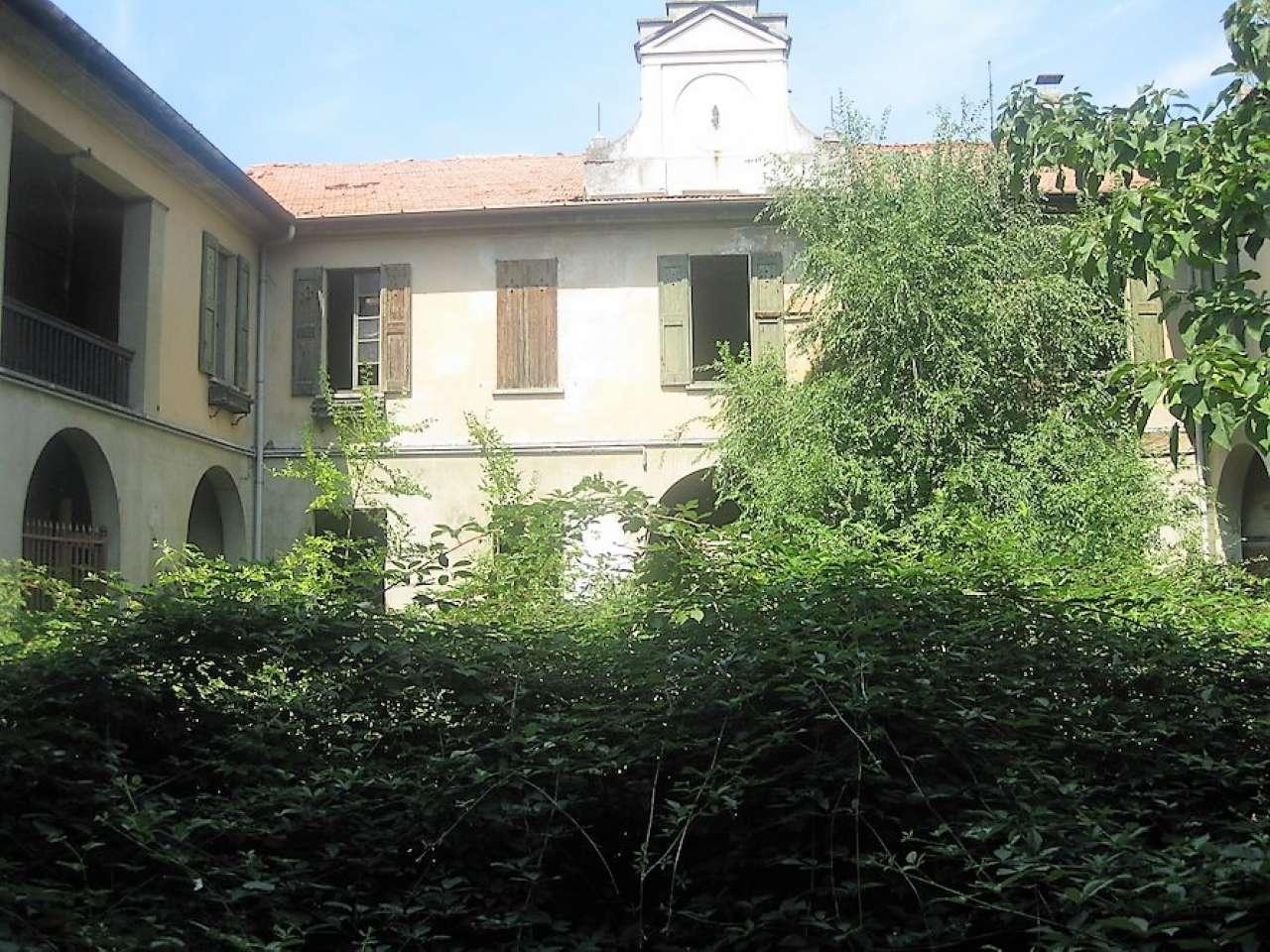 Foto 3 di Palazzo Storico via San Pietro, Buscate