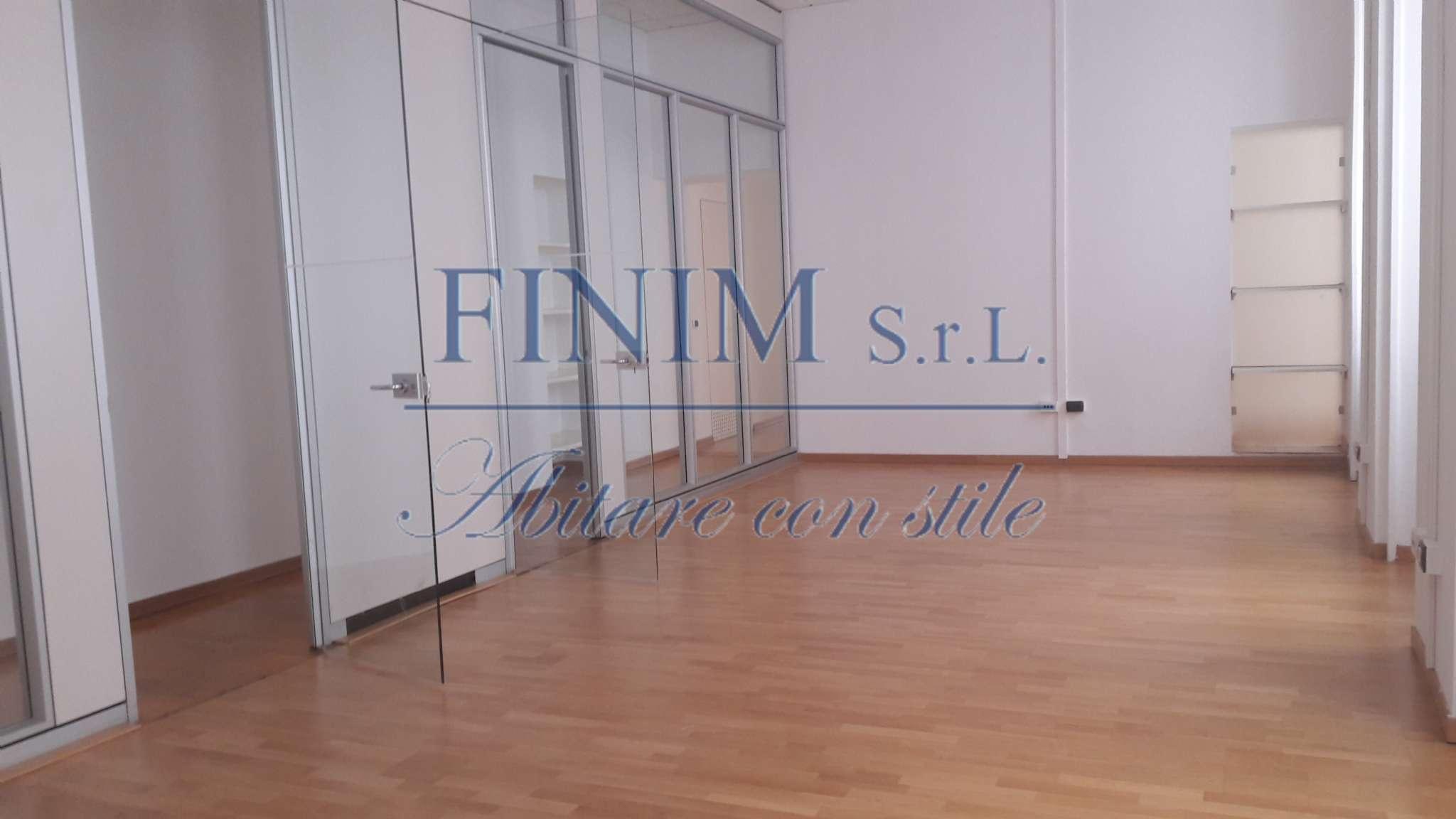 Ufficio-studio in Affitto a Milano 01 Centro storico (Cerchia dei Navigli): 5 locali, 285 mq