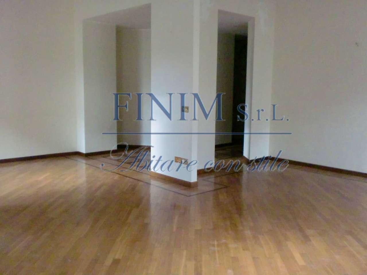 Appartamento in Vendita a Milano 01 Centro storico (Cerchia dei Navigli): 5 locali, 190 mq