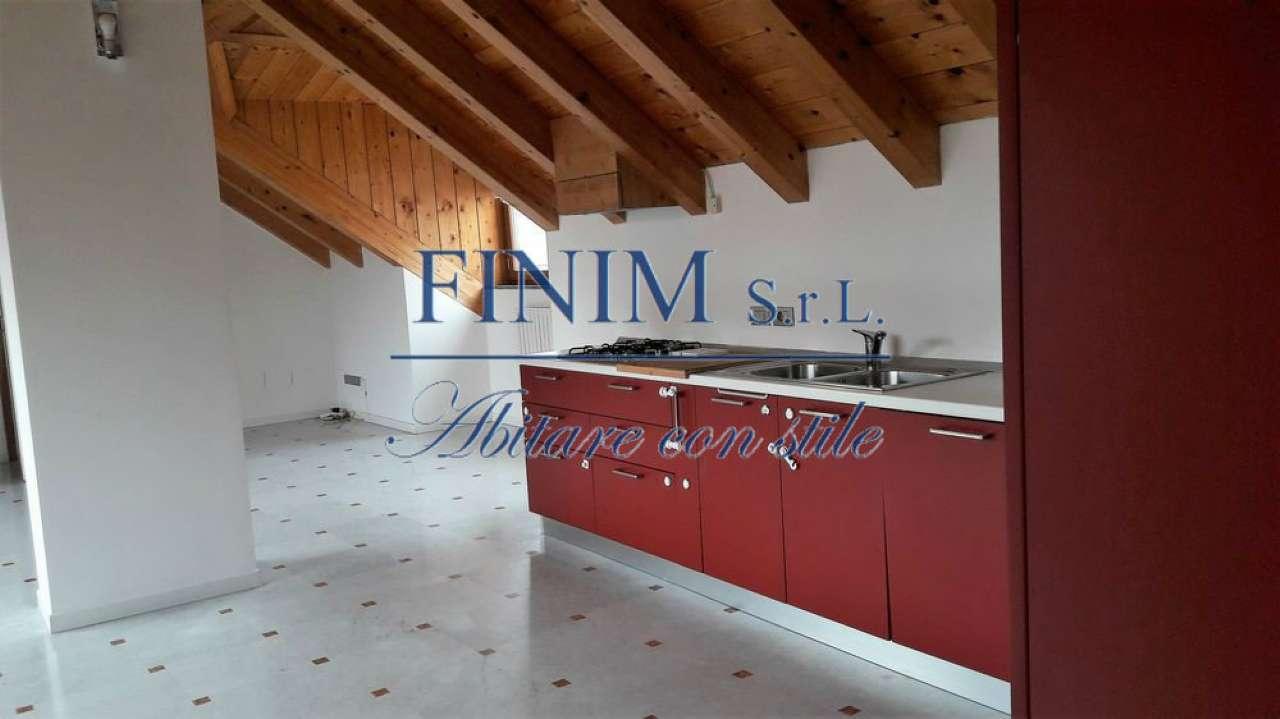 Mansarda in Affitto a Milano 01 Centro storico (Cerchia dei Navigli): 3 locali, 140 mq
