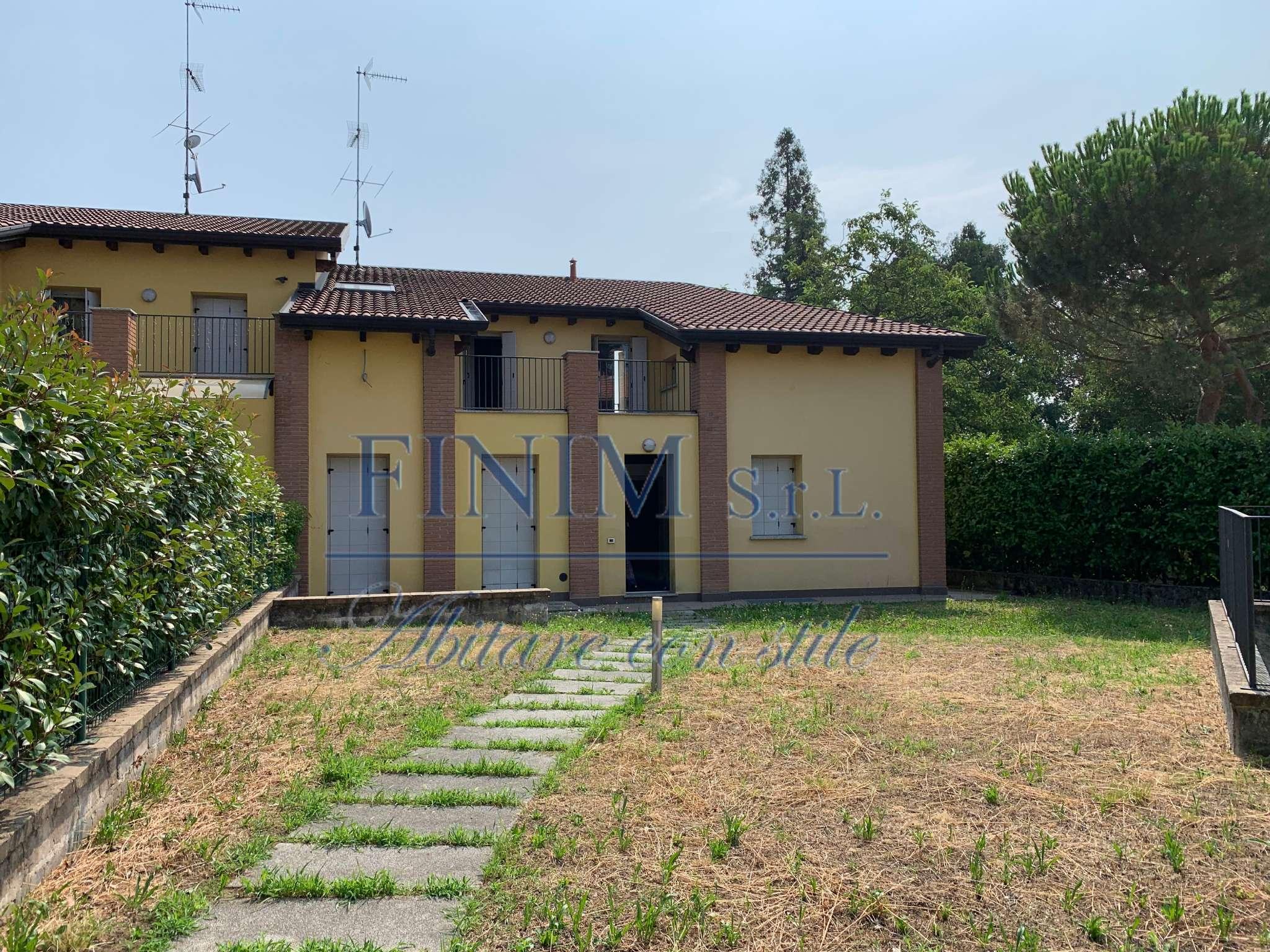 Villa in Vendita a Albavilla: 5 locali, 204 mq