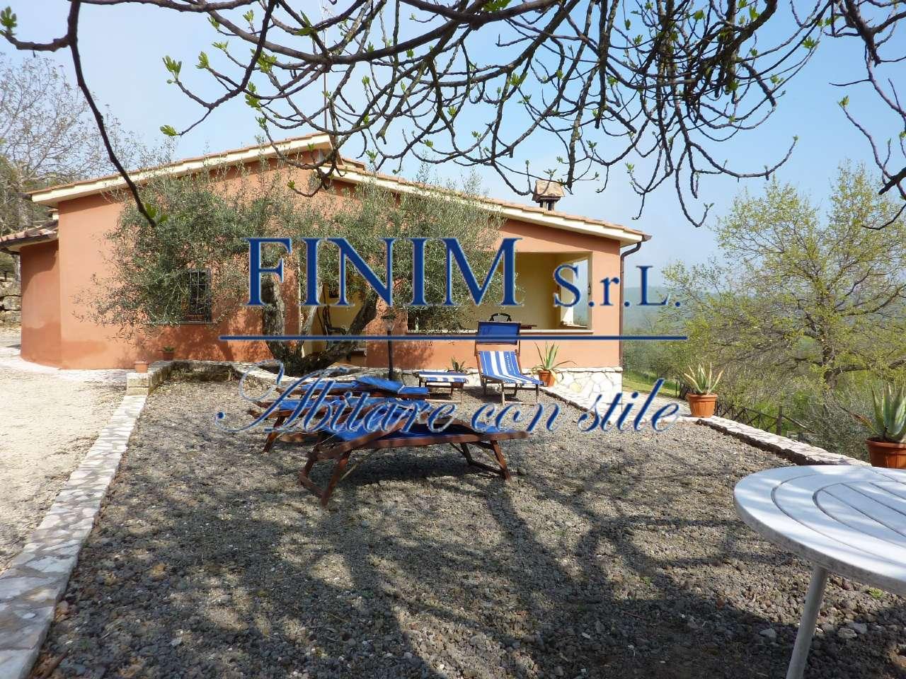Villa in Vendita a Villa San Giovanni In Tuscia: 5 locali, 300 mq