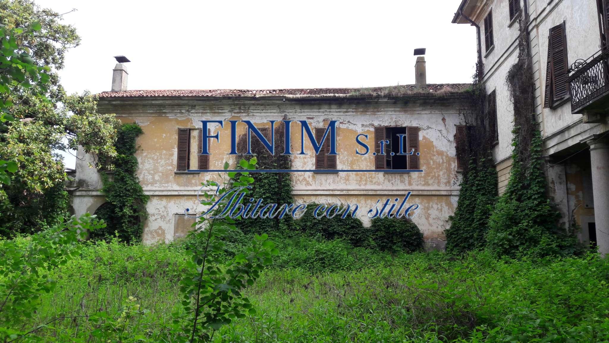 Palazzo in Vendita a Buscate: 5 locali, 2500 mq