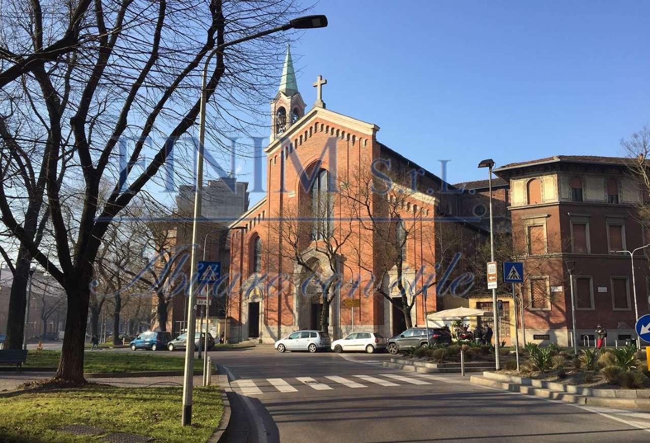 Negozio-locale in Affitto a Milano 16 Savona / San Cristoforo / Napoli / Coni Zugna: 2 locali, 100 mq