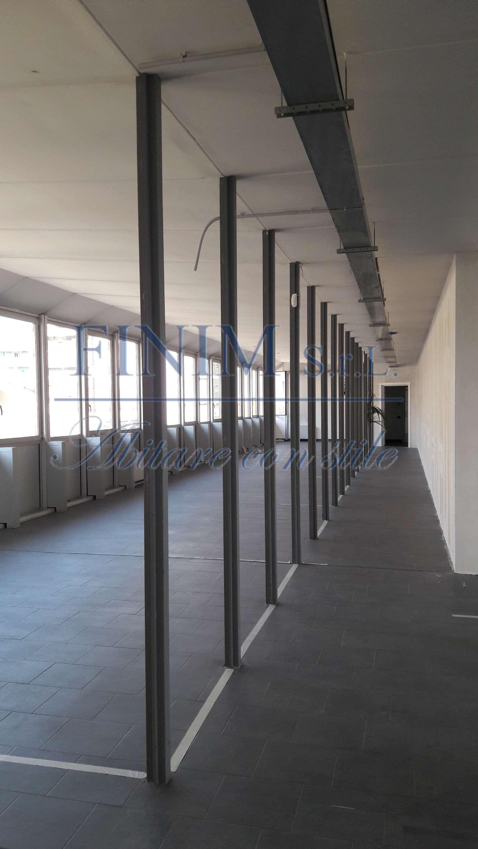 Ufficio-studio in Affitto a Milano 16 Savona / San Cristoforo / Napoli / Coni Zugna: 1 locali, 208 mq