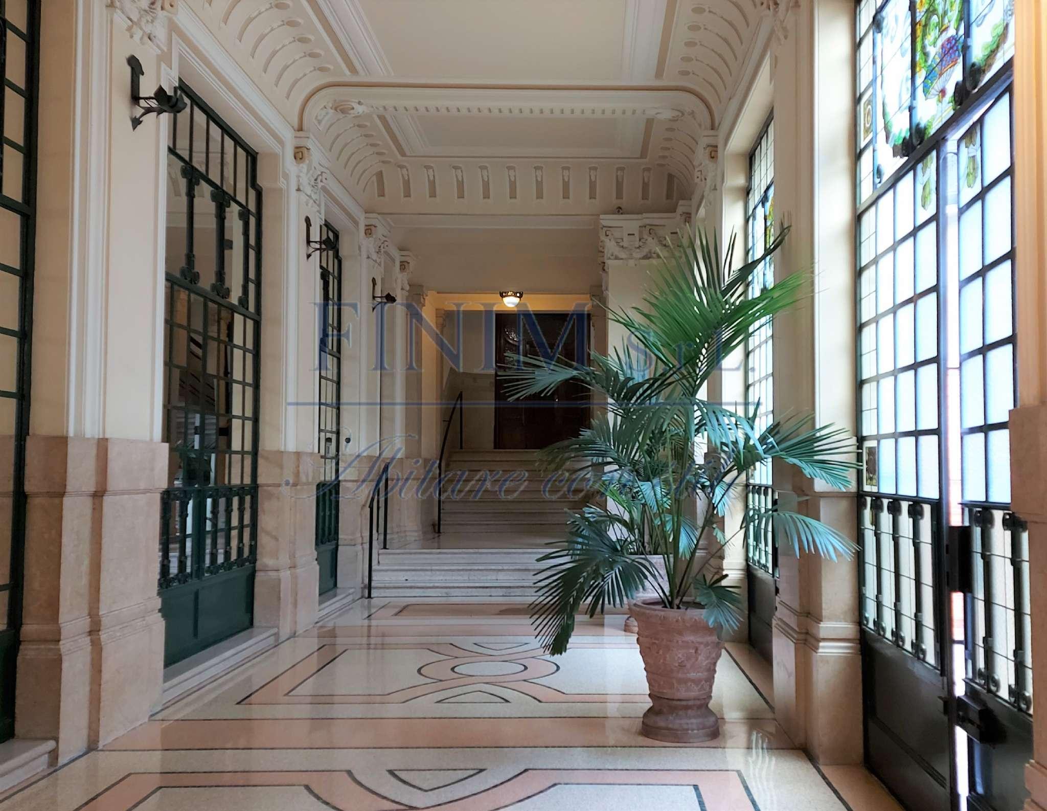 Ufficio-studio in Affitto a Milano 07 Darsena /  Ticinese: 2 locali, 150 mq