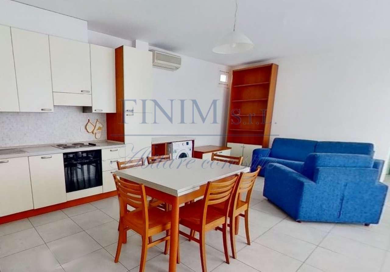 Appartamento in Affitto a Milano 30 Niguarda / Bovisasca / Testi / Bruzzano / Affori / Comasina:  3 locali, 70 mq  - Foto 1