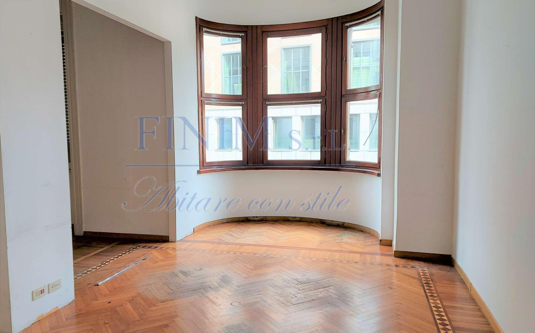 Ufficio-studio in Affitto a Milano 01 Centro storico (Cerchia dei Navigli): 5 locali, 580 mq
