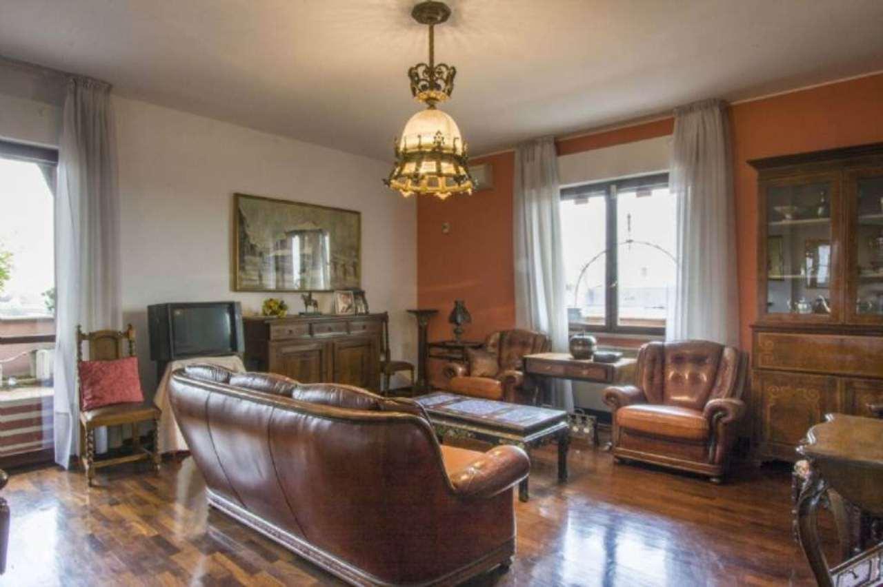 Attico / Mansarda in vendita a Legnano, 3 locali, prezzo € 248.000 | CambioCasa.it