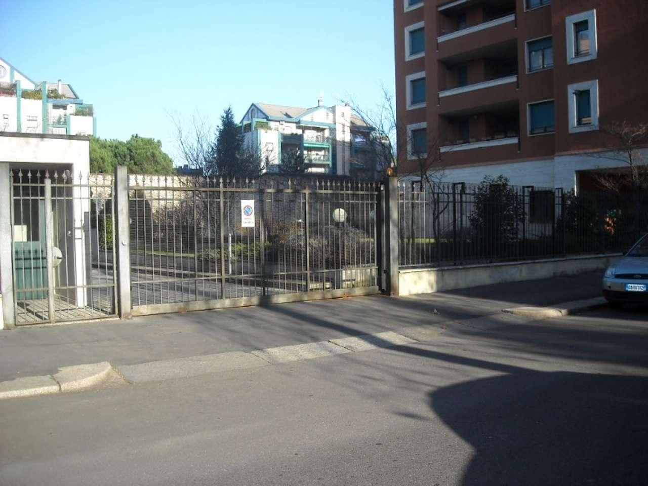 Box / Garage in affitto a Milano, 1 locali, zona Zona: 15 . Fiera, Firenze, Sempione, Pagano, Amendola, Paolo Sarpi, Arena, prezzo € 190 | Cambio Casa.it