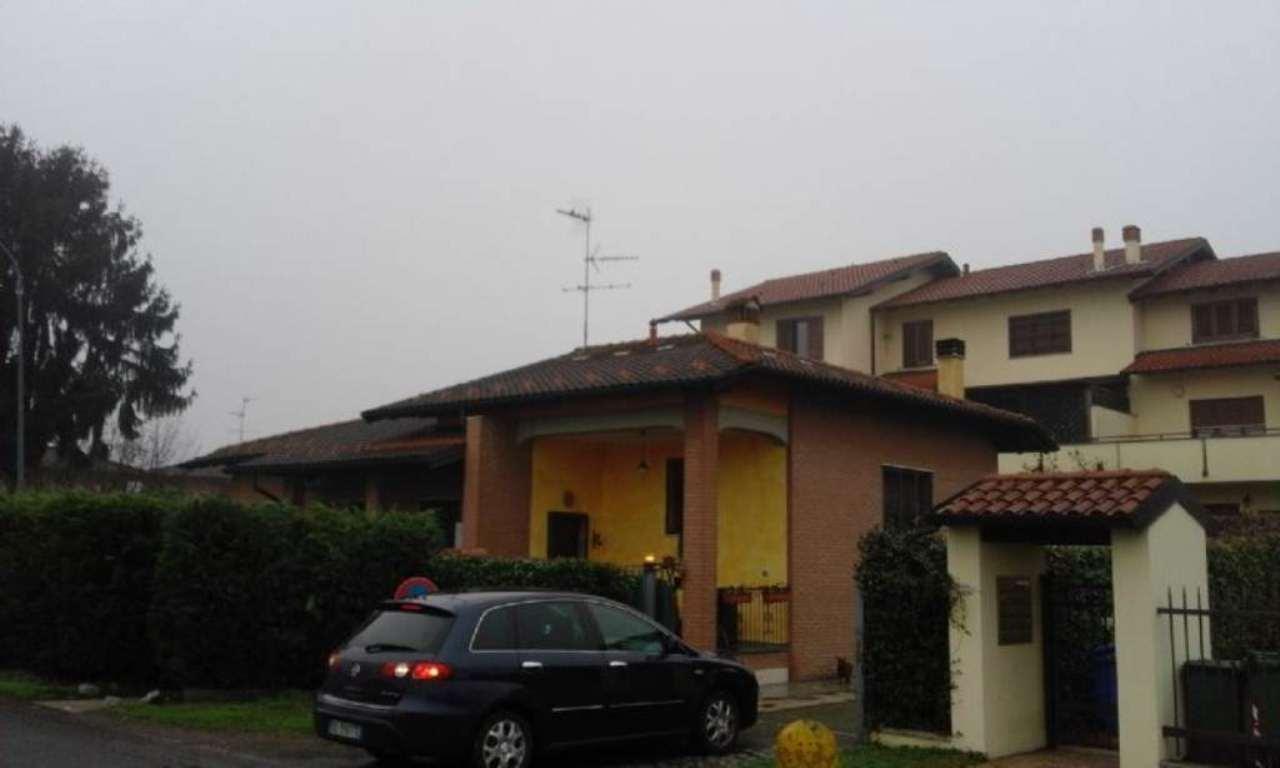 Soluzione Indipendente in vendita a Binasco, 4 locali, prezzo € 380.000 | Cambio Casa.it